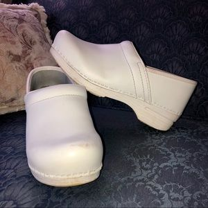 Dansko XP Nursing Shoes